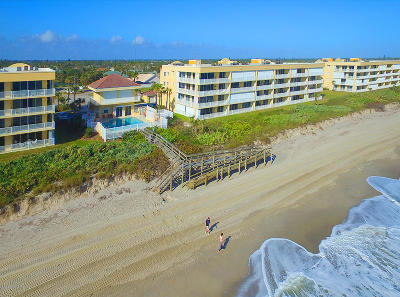 Indian Harbour Beach Condo For Sale: 1831 Highway A1a #3105