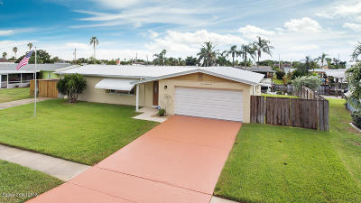 Satellite Beach Single Family Home For Sale: 406 Sparrow Drive