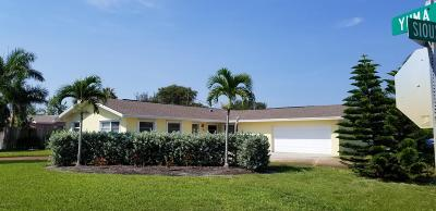Indian Harbour Beach Single Family Home For Sale: 1101 Sioux Drive