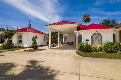 Titusville Single Family Home For Sale: 2774 Bates Place