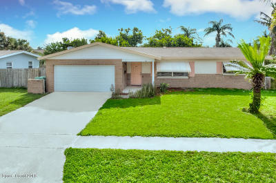 Indian Harbour Beach FL Single Family Home For Sale: $287,500