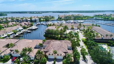 Vero Beach Townhouse For Sale: 5410 W Harbor Village Drive