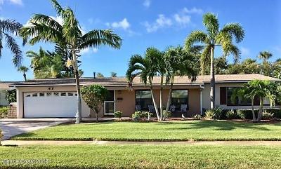 Satellite Beach Single Family Home For Sale: 413 Skylark Boulevard