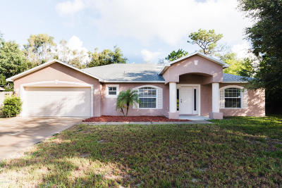 Titusville Single Family Home For Sale: 2 Fairglen Drive