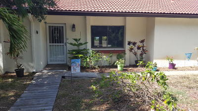 Cape Canaveral Single Family Home For Sale: 8758 Palm Way