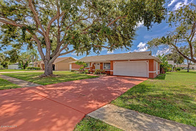 Merritt Island Single Family Home For Sale: 1485 Martin Boulevard