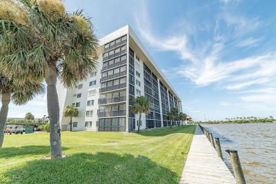 Merritt Island Condo For Sale: 200 S Sykes Creek Parkway #106