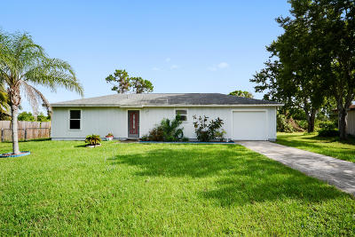 Palm Bay FL Single Family Home For Sale: $129,000