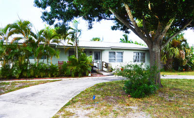 Satellite Beach Single Family Home For Sale: 407 Atlantis Drive