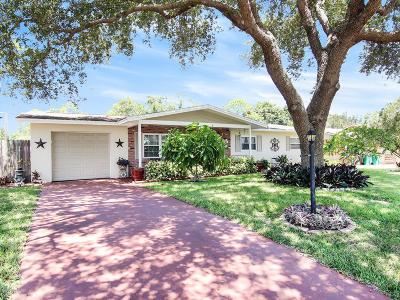 Merritt Island Single Family Home For Sale: 370 Hunt Drive