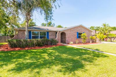 Palm Bay Single Family Home For Sale: 1208 Cimarron Circle NE