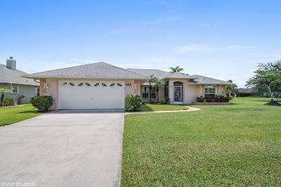 Rockledge Single Family Home For Sale: 1915 Barrington Circle