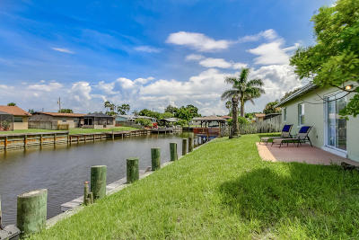 Merritt Island Single Family Home For Sale: 1540 Bream Street