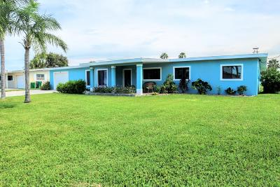 Cocoa Beach Single Family Home For Sale: 447 Barrello Lane
