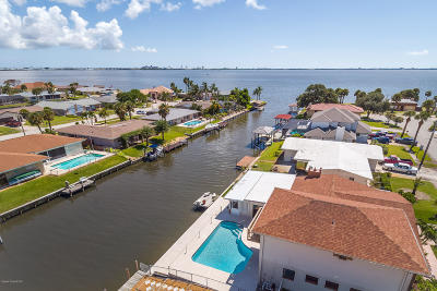 Merritt Island Single Family Home For Sale: 1730 S Shelter Trail