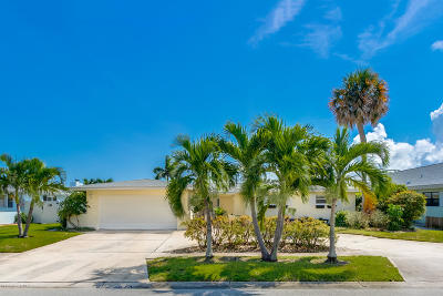 Satellite Beach Single Family Home For Sale: 412 Saint Georges Court