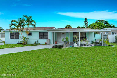 Satellite Beach Single Family Home For Sale: 453 S Waterway Drive