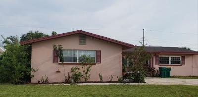 Merritt Island Single Family Home For Sale: 515 Sabal Avenue