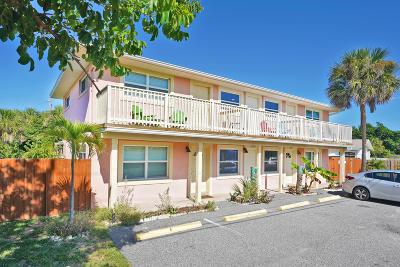 Cocoa Beach Condo For Sale: 6229 Ridgewood Avenue #2