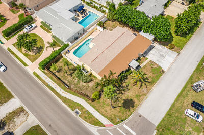 Satellite Beach Single Family Home For Sale: 80 Flamingo Drive
