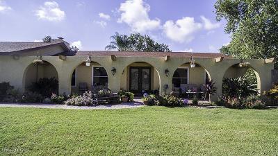 Merritt Island Single Family Home For Sale: 475 Bella Capri Drive