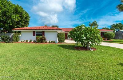 Satellite Beach Single Family Home For Sale: 650 Grant Court