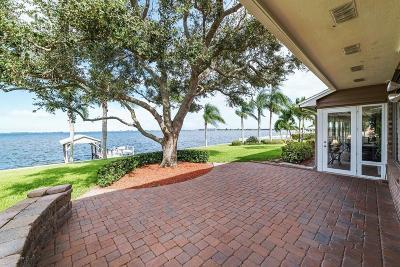 Merritt Island Single Family Home For Sale: 8000 S Tropical Trail S