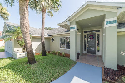 Indialantic Single Family Home For Sale: 422 Sanderling Drive