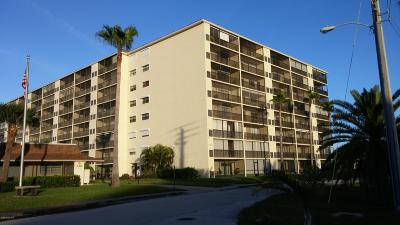 Indian Harbour Beach Condo For Sale: 500 Palm Springs Boulevard #409