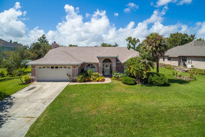 Rockledge Single Family Home For Sale: 2139 Royal Oaks Drive