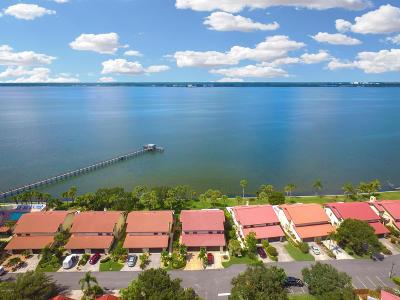 Melbourne Beach Half Duplex For Sale: 3124 River Villa Way