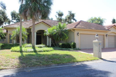 Titusville Single Family Home For Sale: 798 Florencia Circle
