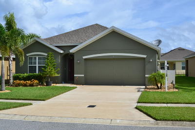 Titusville Single Family Home For Sale: 944 Ambergate Street