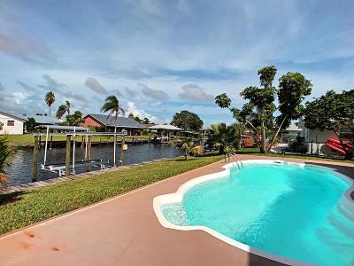Merritt Island Single Family Home For Sale: 320 Orion Court