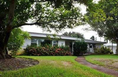 Indialantic Single Family Home For Sale: 505 S Palm Avenue S
