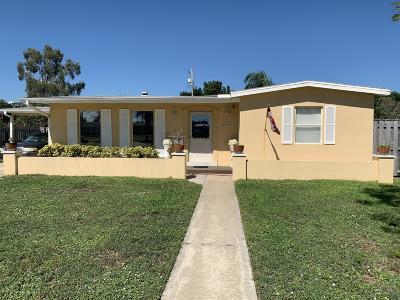 Palm Bay Single Family Home For Sale: 2377 Port Malabar Boulevard NE