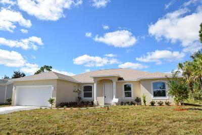 Palm Bay Single Family Home For Sale: 462 Aviation Avenue NE