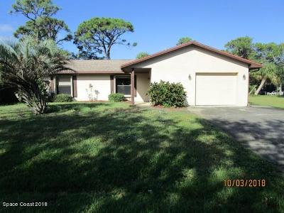 Palm Bay FL Single Family Home For Sale: $140,000