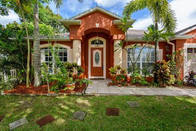 Palm Bay Single Family Home For Sale: 195 Hurst Road NE