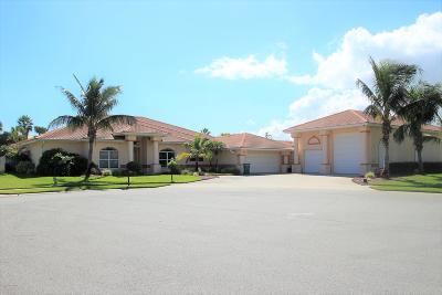 Melbourne Beach Single Family Home For Sale: 215 Loggerhead Drive