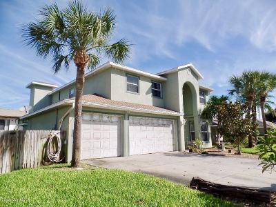 Cocoa Beach Single Family Home For Sale: 239 Corona Avenue