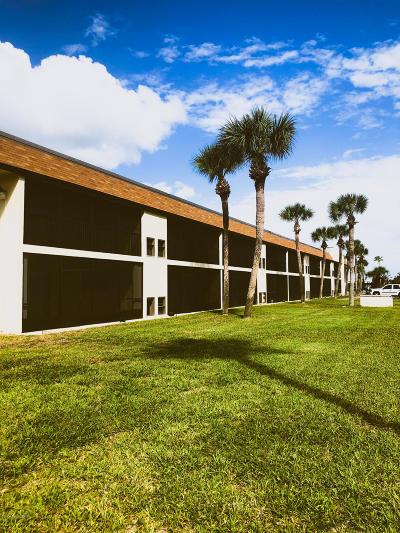 Indian Harbour Beach Condo For Sale: 416 School Road #101