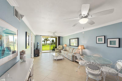 Cocoa Beach Condo For Sale: 1860 N Atlantic Avenue #105