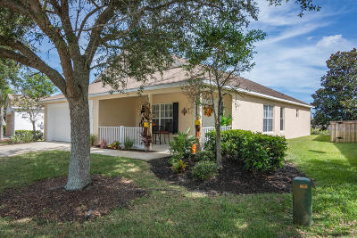 Melbourne Single Family Home For Sale: 5272 Outlook Drive