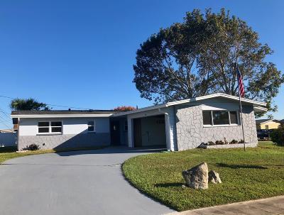 Merritt Island Single Family Home For Sale: 360 Aztec Avenue