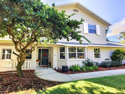 Merritt Island Single Family Home For Sale: 1495 S Oaks Drive