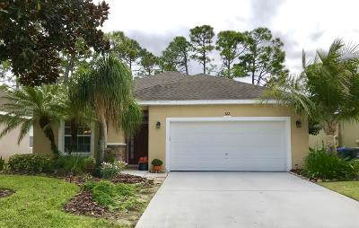 Titusville Single Family Home For Sale: 322 Waterside Circle