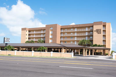 Indian Harbour Beach Condo For Sale: 2055 Highway A1a #104