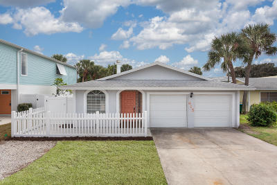 Cape Canaveral Single Family Home For Sale: 415 Adams Avenue