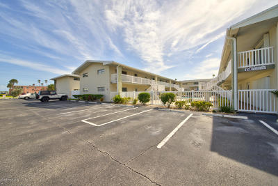 Cocoa Beach FL Condo For Sale: $179,000